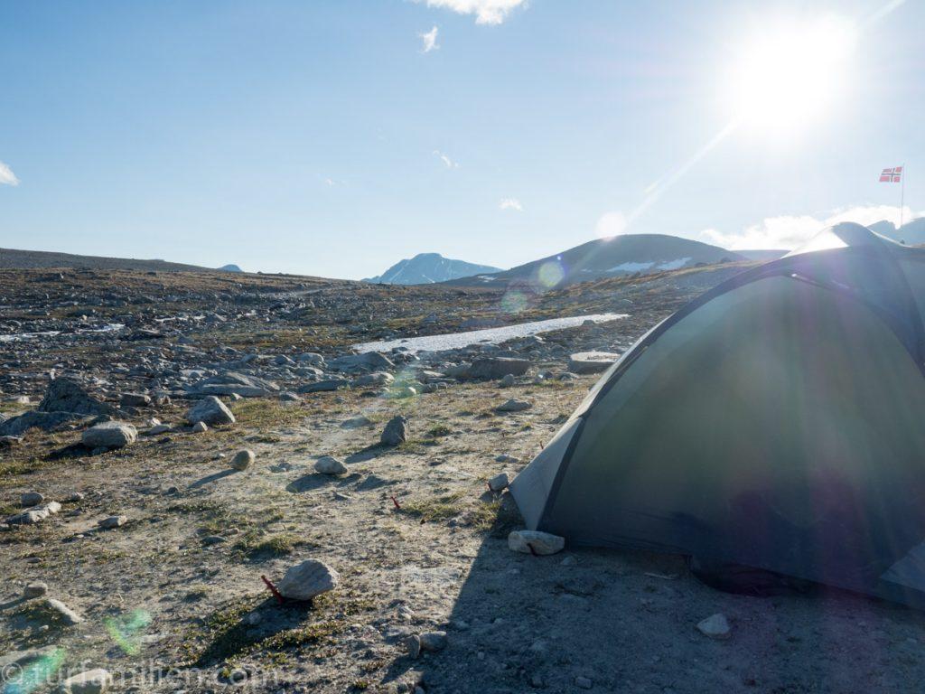 sove godt i telt ved snøhetta