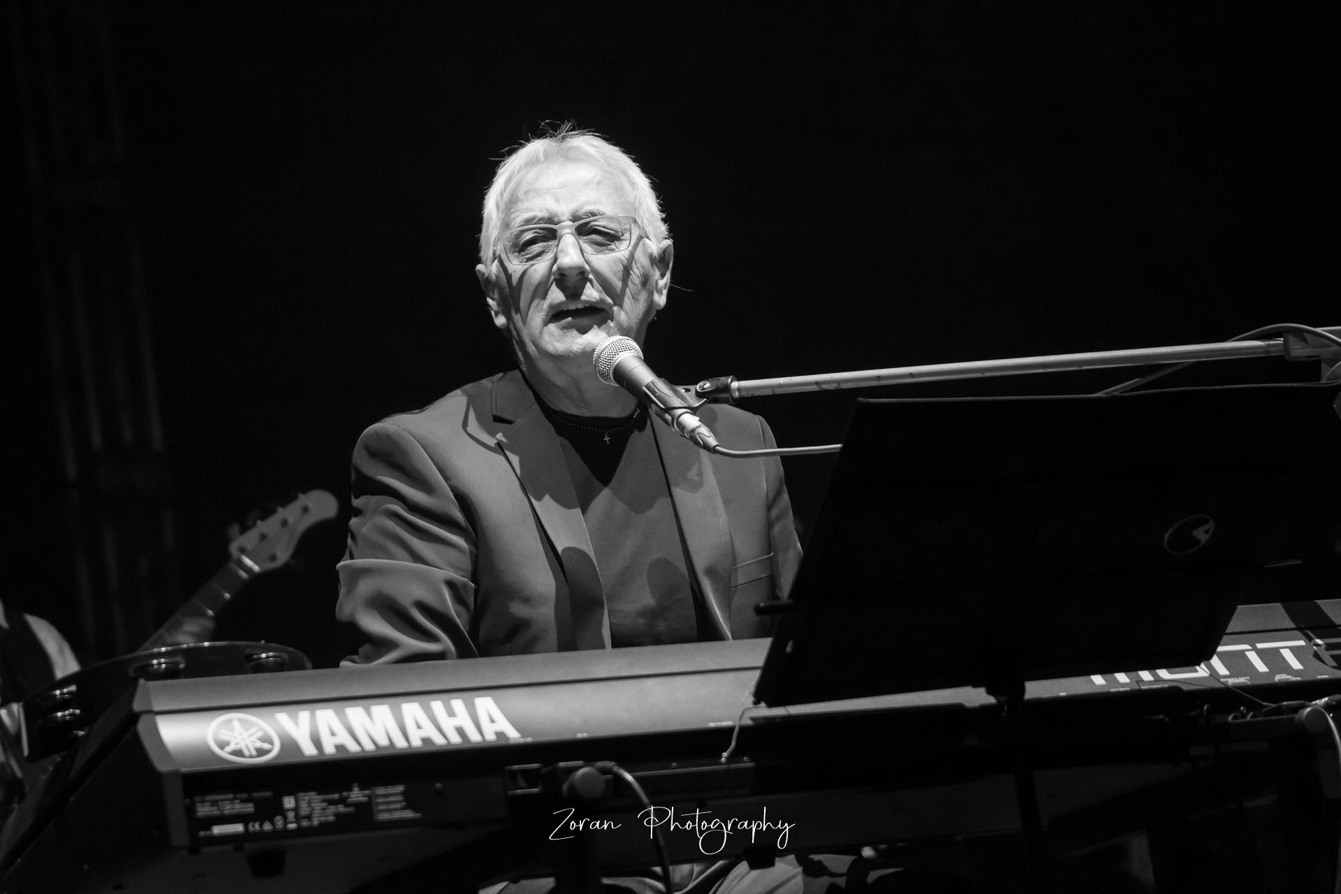 Oliveru – Stjepan Hauser, Ante Gelo, Antonio Serrano, Matija