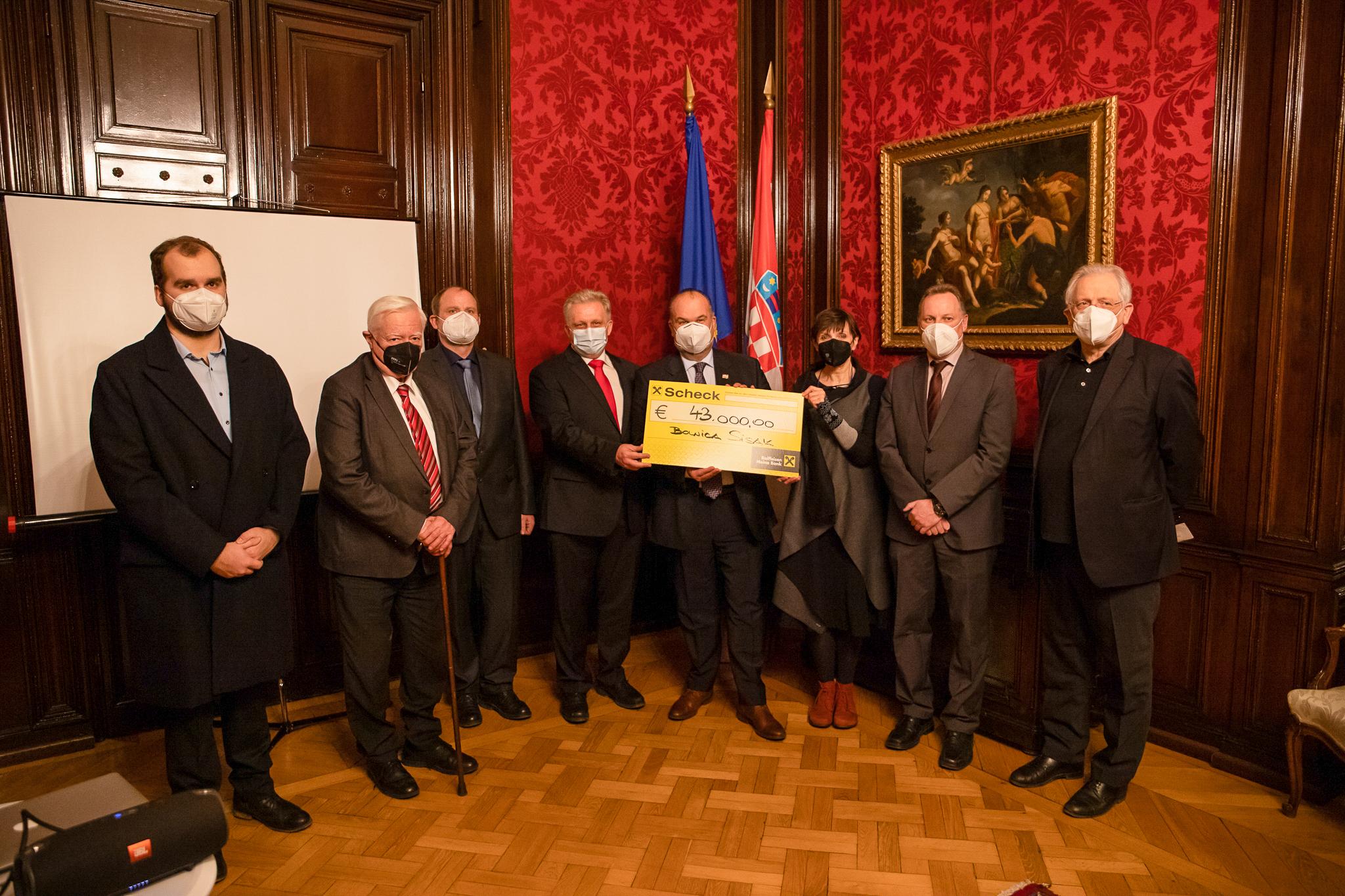 Donacija od 43.000 eura Gradišćanskih Hrvata bolnici u Sisku