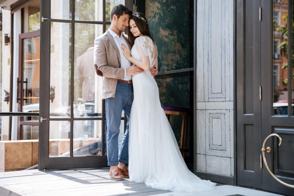 Netipični dodaci, haljine i neki novi brendovi: Evo kakvi trendovi danas vladaju svijetom vjenčanja