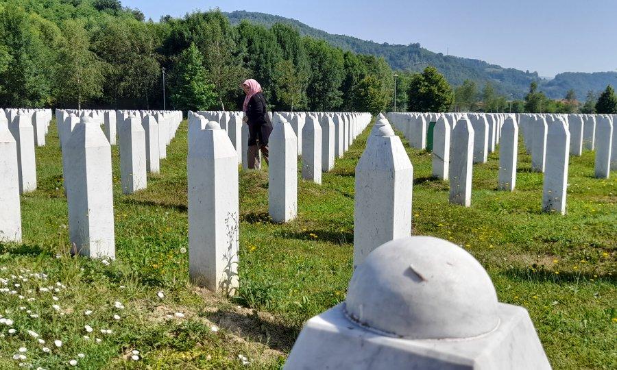 TKO NEGIRA SREBRENICU MOŽE DOBITI PET GODINA ZATVORA! Povijesni dan za Bosnu, visoki predstavnik donio zakon o kojemu će se govoriti!