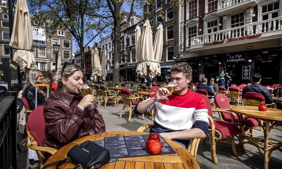 Eksplozija koronavirusa u Nizozemskoj: Stižu nove restrikcije, među kojima i zatvaranje noćnih klubova