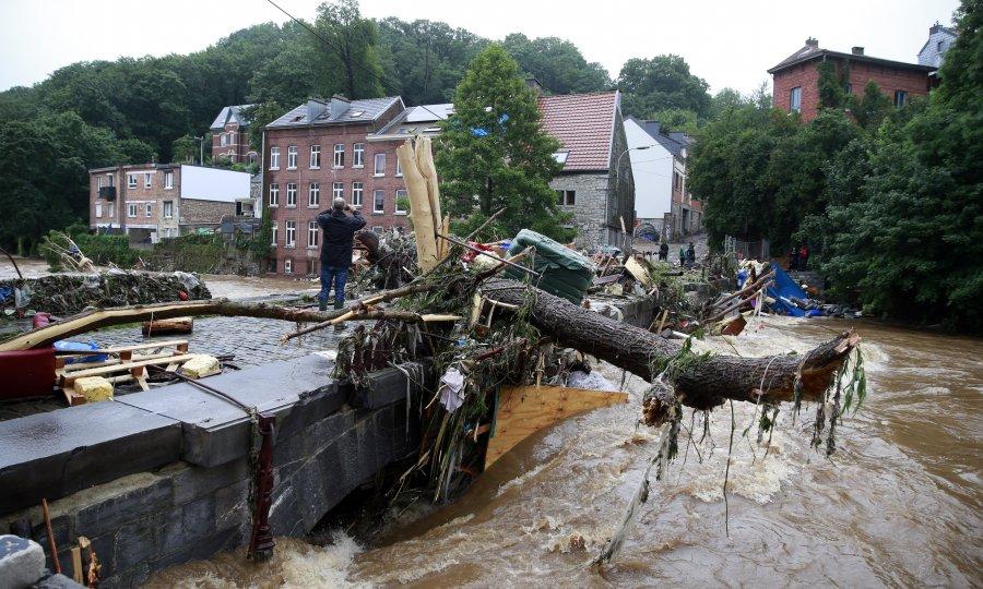 U poplavi u Njemačkoj preko stotinu mrtvih, u Belgiji život izgubilo 14 osoba. Traga se za preko tisuću osoba