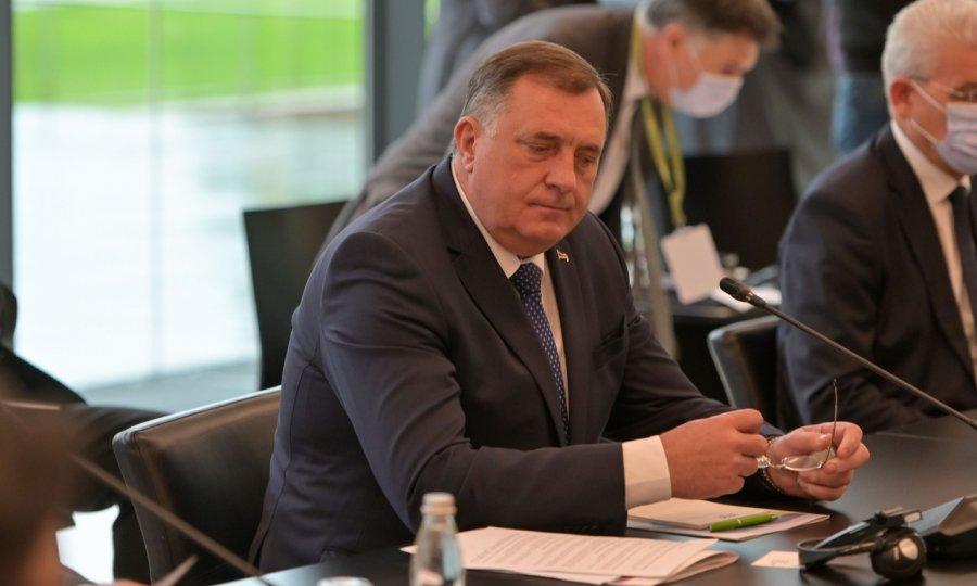 Dodik pobjesnio, opet priprijetio otcjepljenjem Republike Srpske, a Inzka nazvao 'kretenom': Nećemo poštovati njegov zakon!