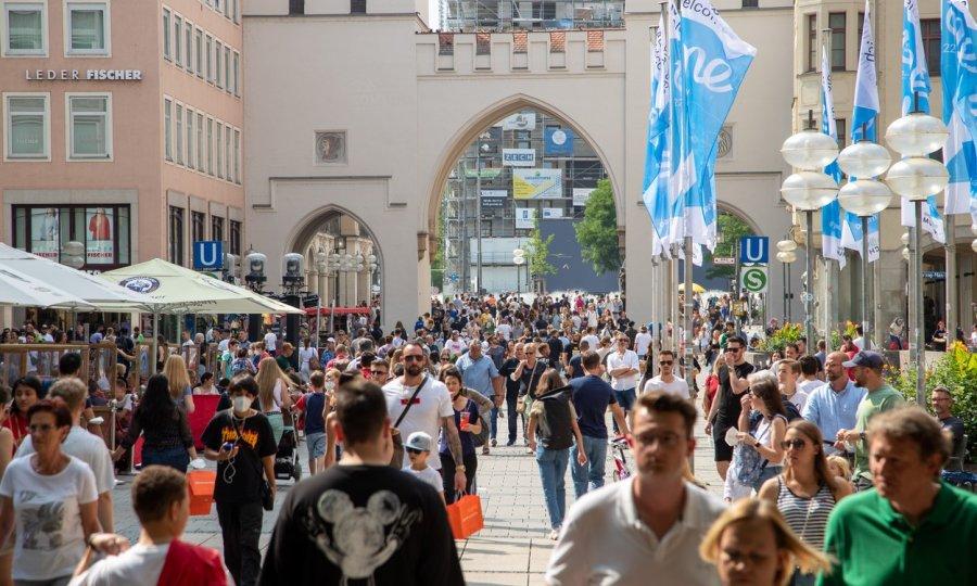 Njemačka najavljuje ograničenja za necijepljene ako se zaraza ne obuzda