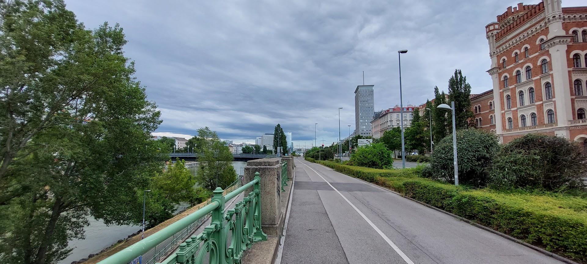 Više od 200 novih zaraza covid-19 u Austriji
