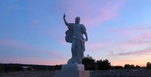 Danas je blagdan Sv. Ilije proroka, simbola snage i neustrašivosti – sretan imendan svima koji nose ime Ilija, Ilijana, …