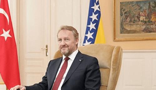 ZAČUĐUJUĆA PRIJETNJA: Izetbegović izjavio kako će Hrvati trpjeti zbog Milanovićevih postupaka