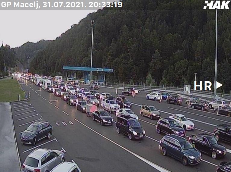 PUTUJETE U HRVATSKU: Na granici se čeka satima, od ranog jutra kilometarske kolone vozila na hrvatskim cestama