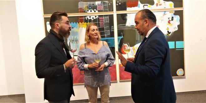 PLATNA KOJA ŠIRE POZITIVU: U Beču otvorena izložba slika Zorana Šimunovića iz Nuštra
