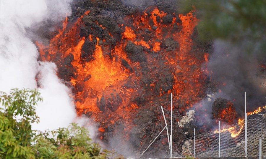 Kanari: Lava suklja iz druge pukotine vulkana i guta kuće, evakuirano još ljudi