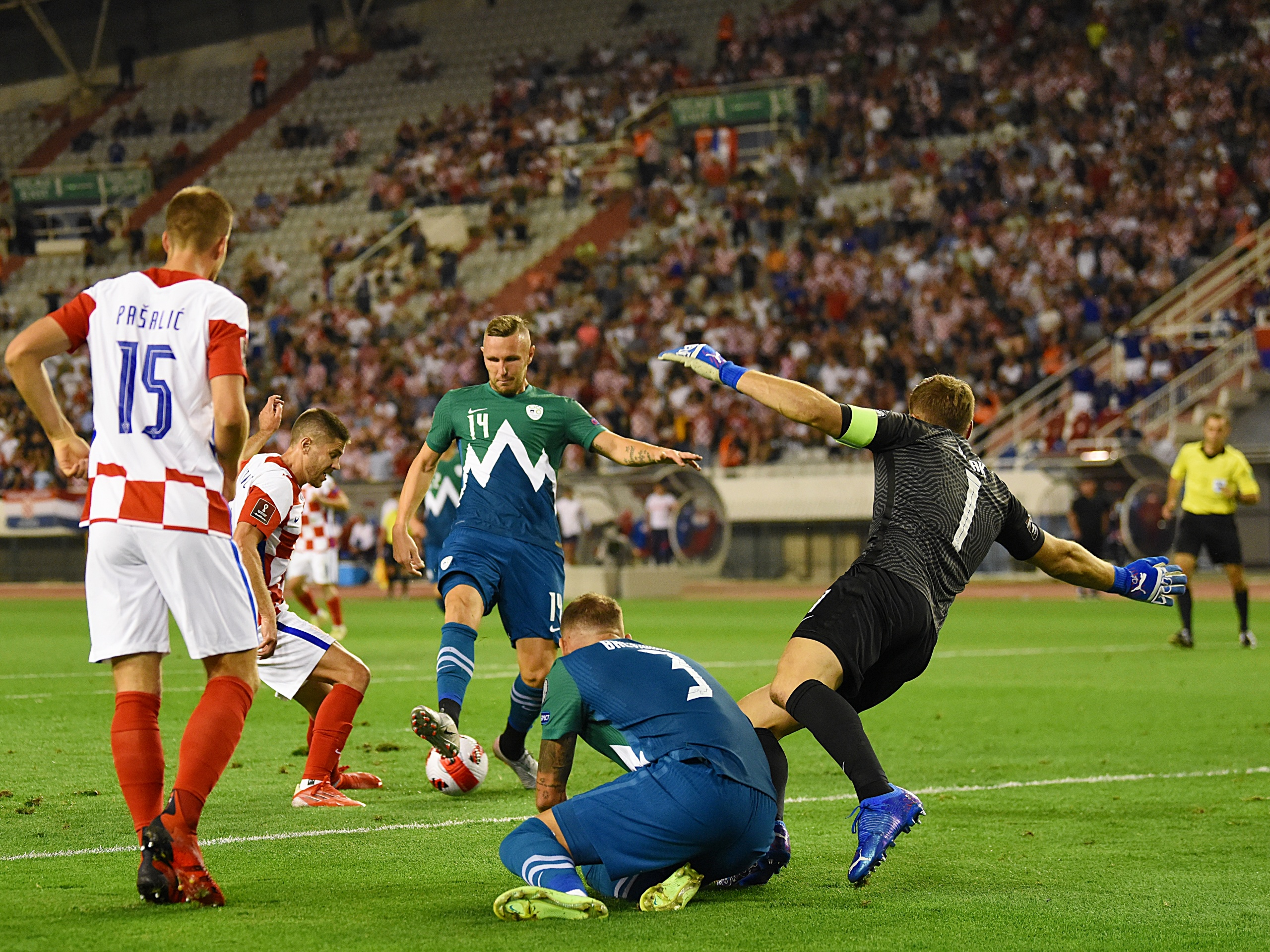 RAPSODIJA NA POLJUDU: Hrvatska igrom i rezultatom razbila Sloveniju s 3:0