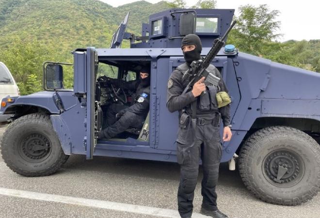 HELIKOPTERI NADLIJEĆU, POLICIJA NA BRDIMA, I DALJE NAPETO NA KOSOVU: Specijalci pretukli tri Srba