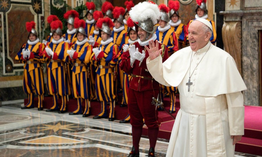 Trojica pripadnika papine Švicarske garde suspendirana jer su se odbila cijepiti