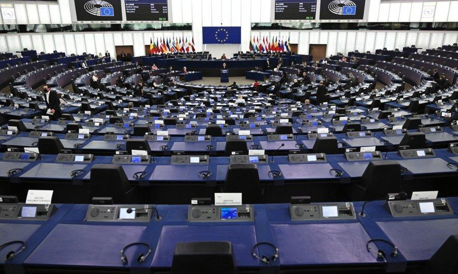 Migranti tema rasprave u Europskom parlamentu, spominjala se i Hrvatska: 'Snimke s hrvatske, rumunjske i grčke granice su skandal za Europsku uniju!'