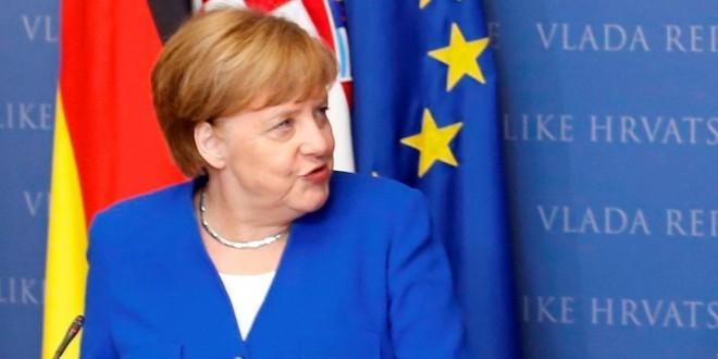 Europski čelnici ovacijama ispratili Merkel na njezinu posljednjem summitu