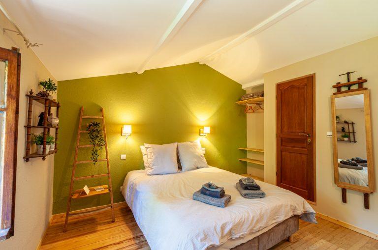 Chambres d'hôtes les oliviers en Cévennes le lit de face