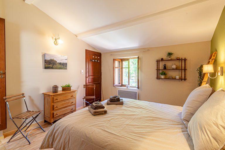 Chambres d'hôtes les oliviers en Cévennes le grand lit