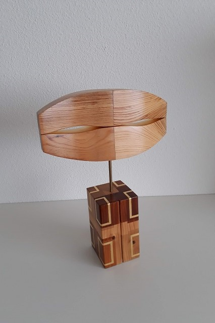 Looking-constructed sculpture