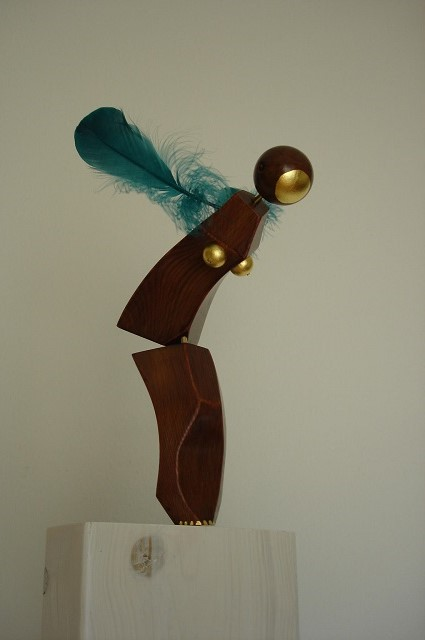 sculpture-Diving-three-dimensional-work-of-art
