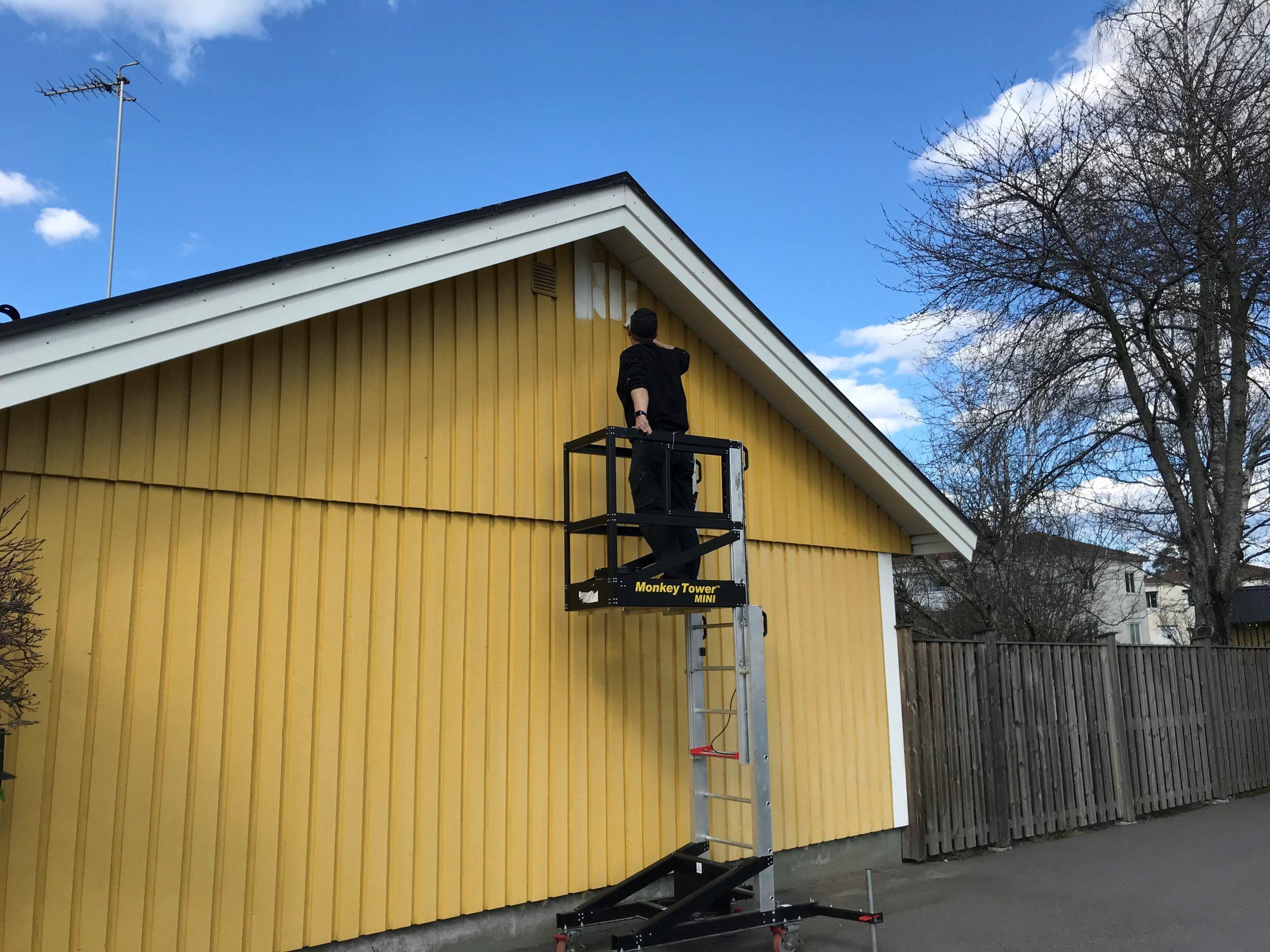 Monkeytower under målning