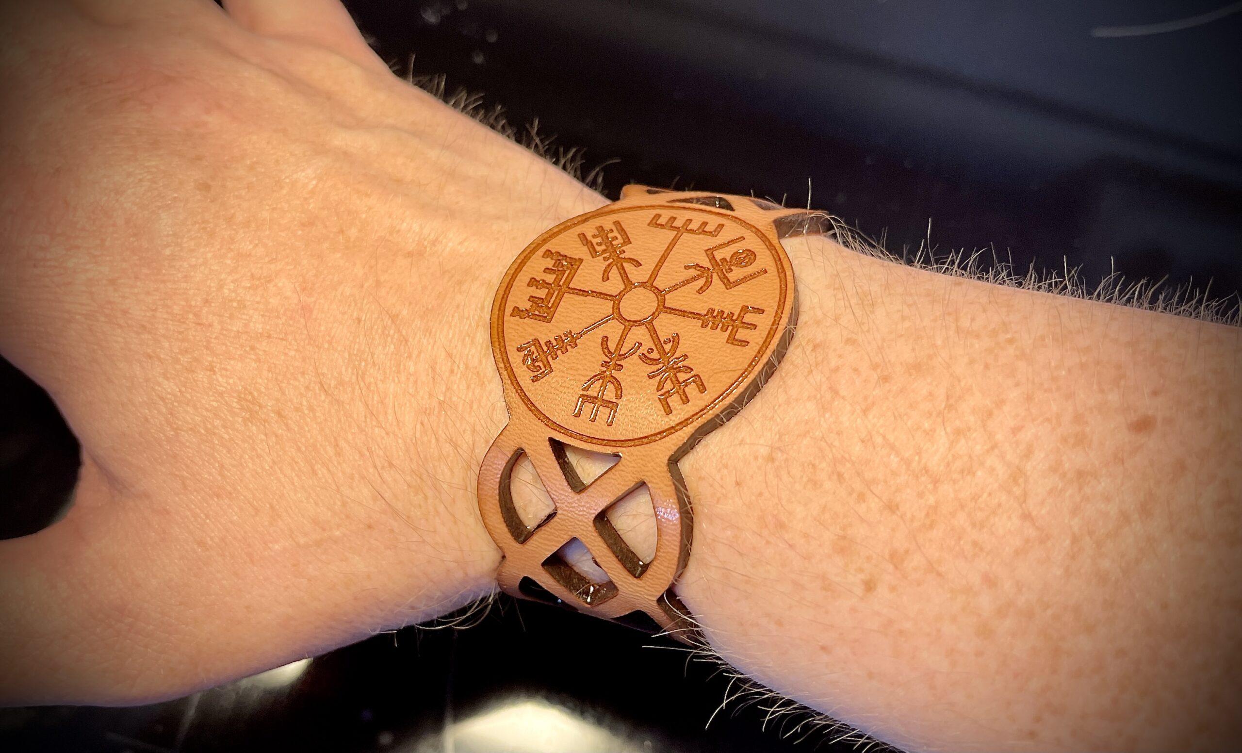 Armband med Laser precision