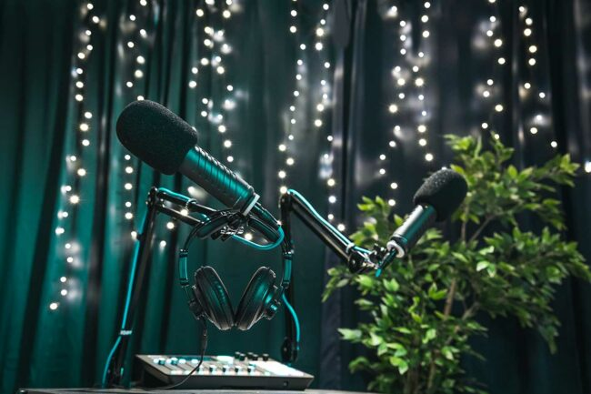 v2 socials podcast studie