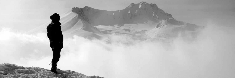 mountain_hiking_girl_woman_trekking_happy_jumping_alpine-980198.jpg!d