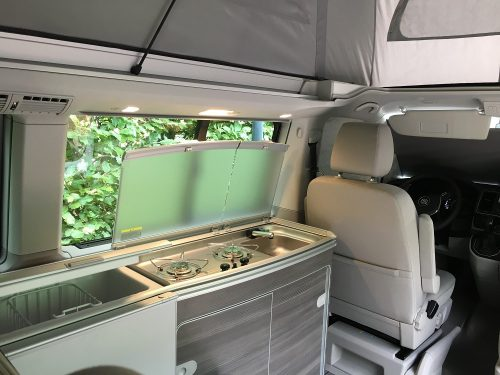 van-amenage-vw-california-interieur-cuisine