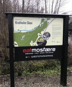 Metalpladeskilte monteret på træstativ. Kunde: Odense Kommune.
