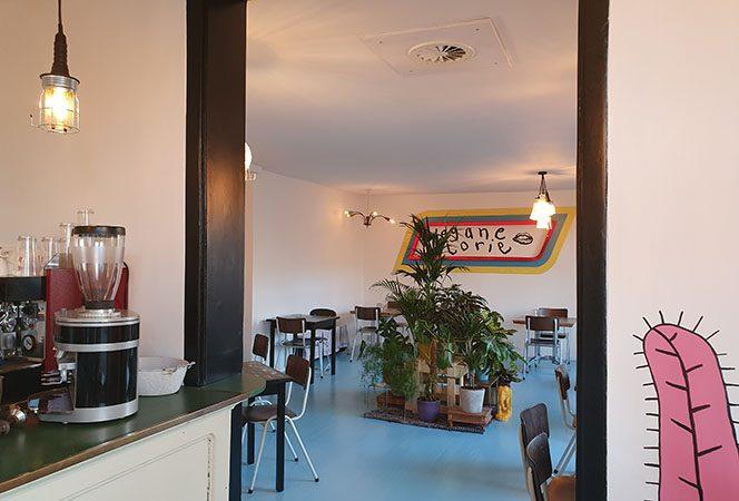 vegan restaurant, inside plantbased restaurant,