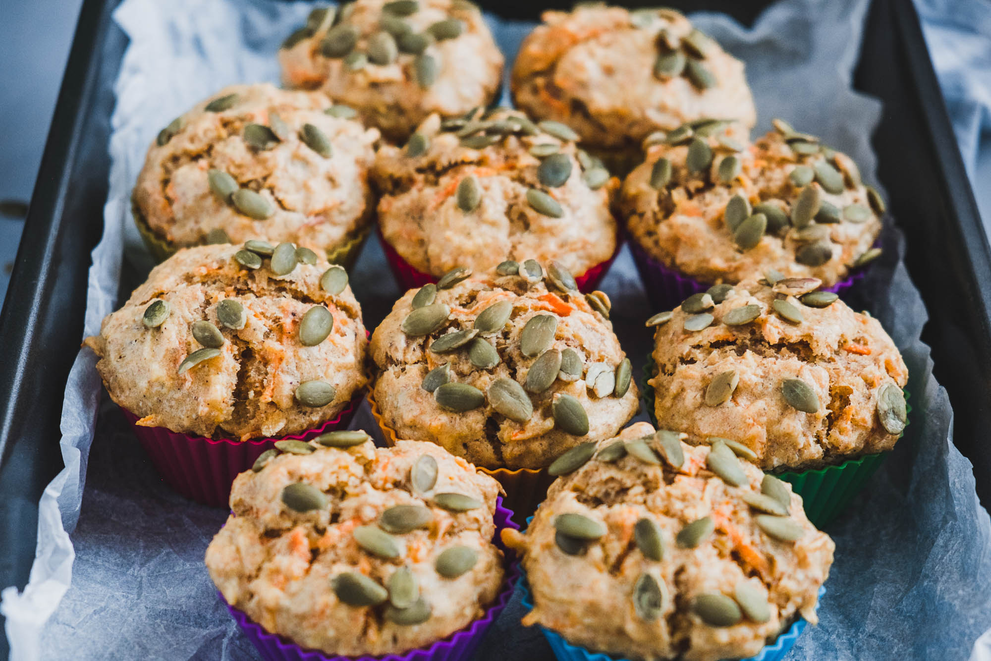 Grove muffins med æble og gulerod