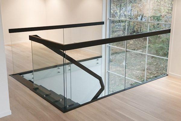 Trappeværn af glas