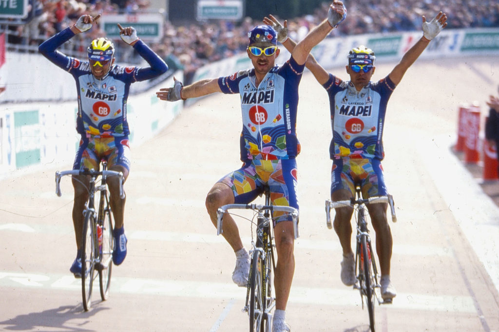 Museeuw winning Paris Roubaix in 1996 with his Mapei Cycling Kit