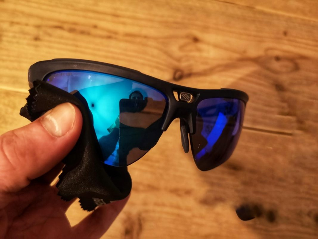 How to clean your cycling sunglasses with a microfiber cloth
