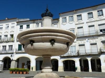 plaza_central_evora