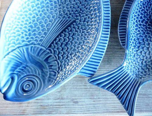 """""""Fuentes de pescado en loza de color turquesa, Oficina da Formiga, Ilhavo"""""""