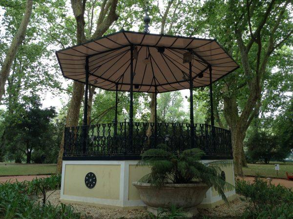Parque D. Carlos I rediseñado a finales del s. XIX para que pasearan los pacientes del hospital termal