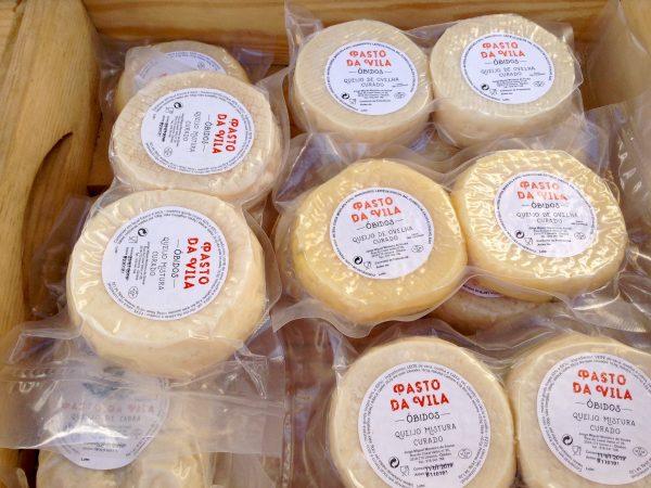 """Quesos """"Pasto da Vila"""", fabricación artesanal y venta de queso fresco y curado de leche de cabra fresca"""