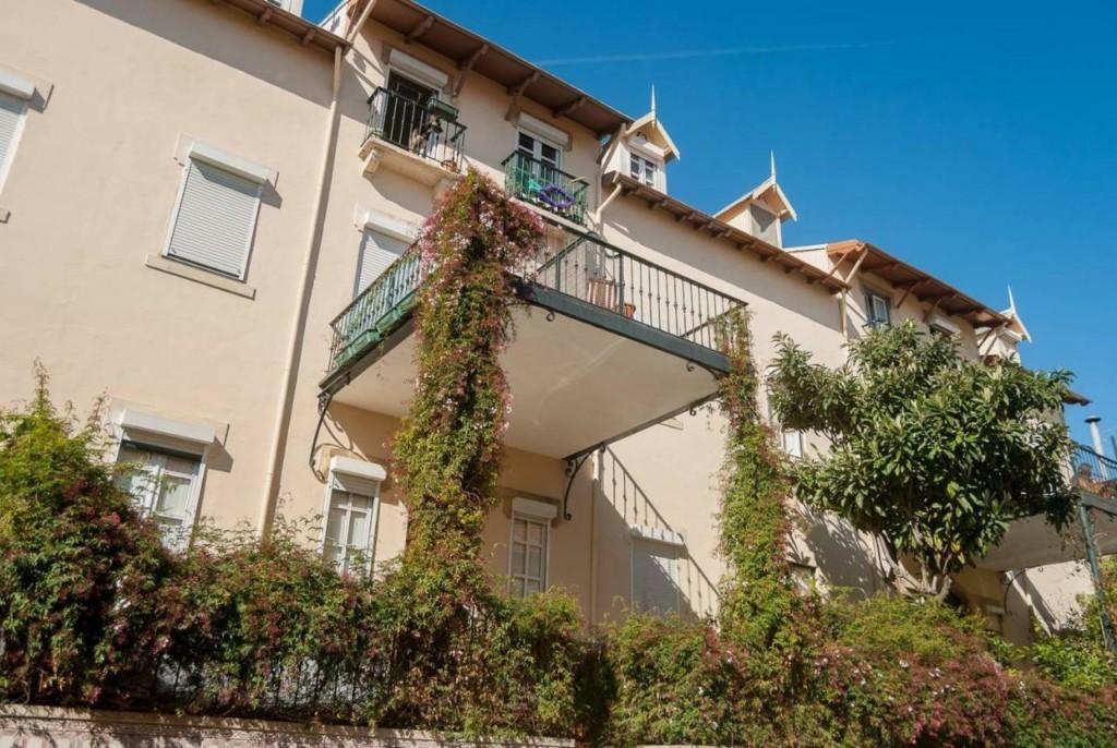casas_con_terrazas_floreadas_lusas