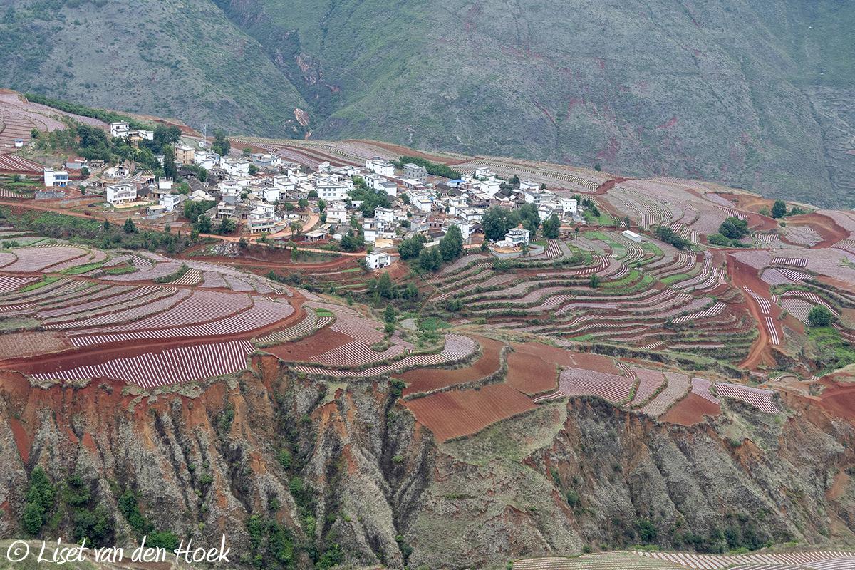 Rode bergen van Dongchuan, China