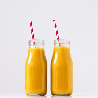 Pineapple turmeric ang ginger smoothie