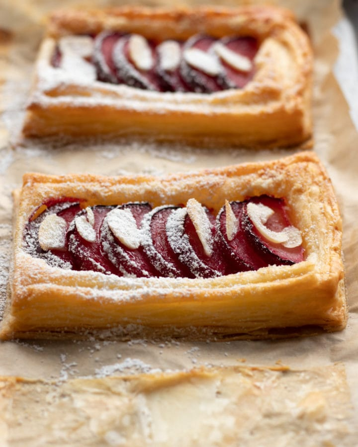 Easy Plum-Tarts