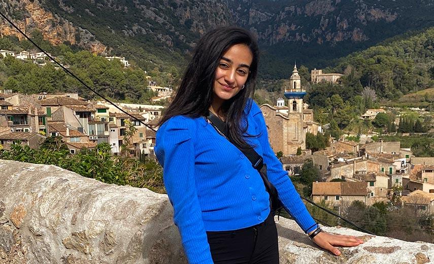 19-årige Aja: Naturvidenskab er for alle!