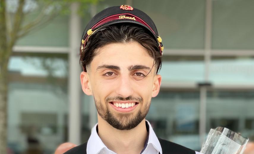 Ardashir flygtede fra borgerkrig – nu er han student med et snit på 11,6