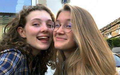 Emilie og Filippas venskab vokser i Videnskabsklubben