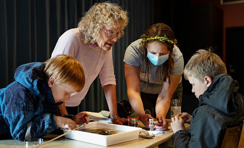 Nu kan du tilmelde dig de første videnskabsklubber for familier!