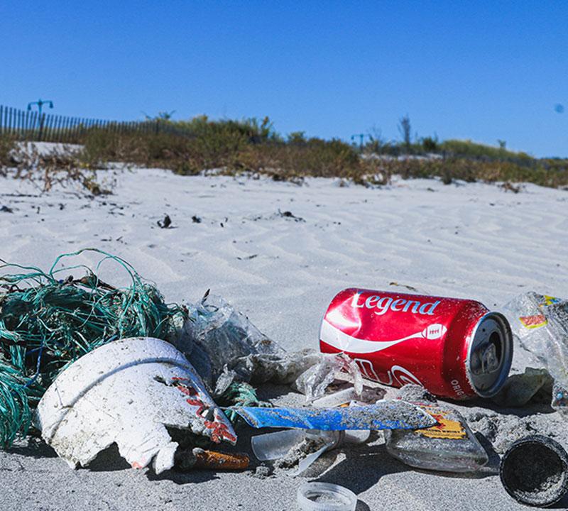 Plastik på strand