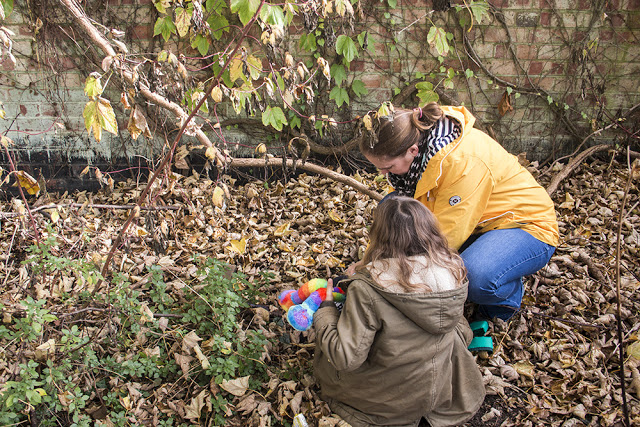 Geocaching on of my 5 Things to #GetOutside with the kids this half term