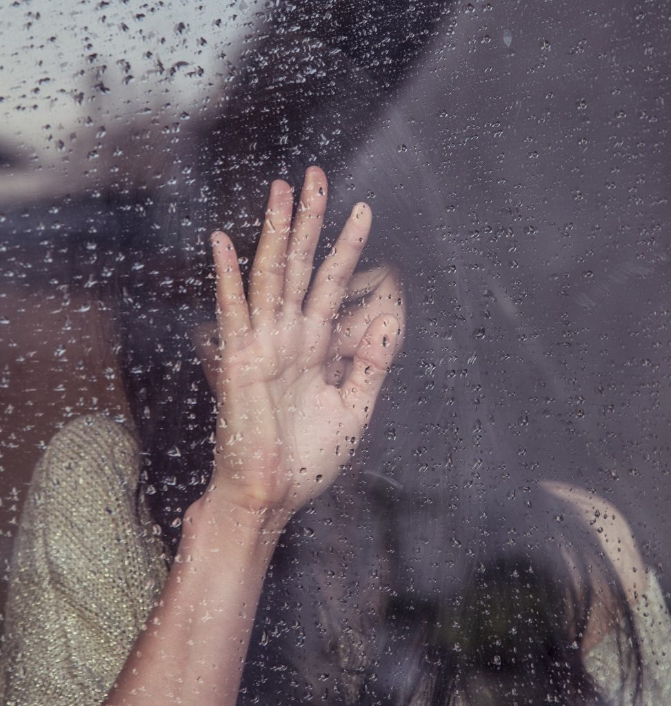 how to love a broken-hearted girl